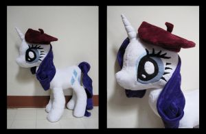Giant Rarity with Beret by munchforlunch