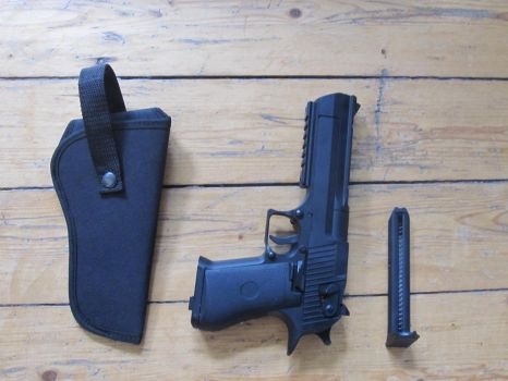 My desert eagle (airsoft) by lec-the-wolf