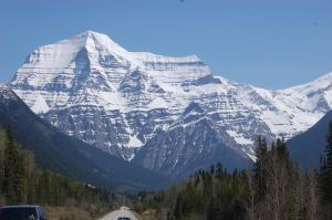 Mt. Robson II by ByronGiant