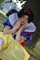 Snow white by MrsSweetLady