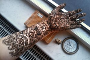 Detailed mehendi, henna paste on, side 1 by cydienne