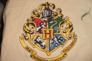 Little Mojo's Hogwarts Crest Complete by Scienceandart
