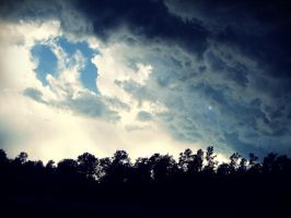 Storm Front by evelynrosalia
