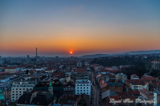 Sunset in Zagreb by lf