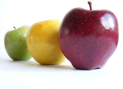 Apples by Shpattov
