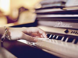 Piano by lollipopsandrainbows