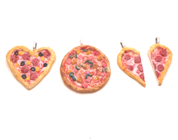 Handmade miniature pizza's by MiniSweetx
