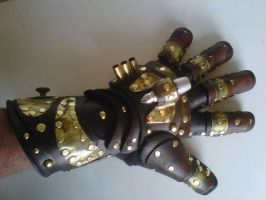 Steampunk Gauntlet by SavagePunkStudio
