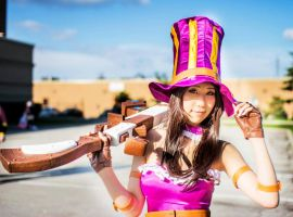 Caitlyn - League of Legends Cosplay by QTxPie