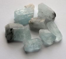 Aquamarine crystals by lamorth-the-seeker