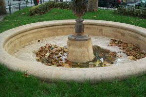 No more water in the fountain by DrakseidFM