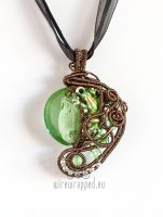 Froggy pendant by ukapala