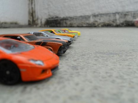 the ultimate hot-wheels drag-race 1437 by El-Macaquito