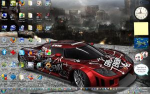 My desktop as of May 2008 by sunnybacon