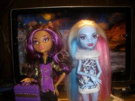 Clawdeen and Abbey by Demonqueen23