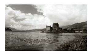 Eilean Donan BW by AndyLaRoque