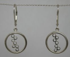 Circle Earrings by Utinni