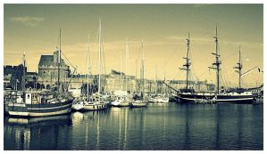 St.Malo Harbor. by BasiekD