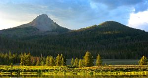 fHDR Mountians 1 by michaelgoldthriteart