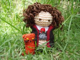 Amigurumi Hermione Granger and Crookshanks by honouraryweasley