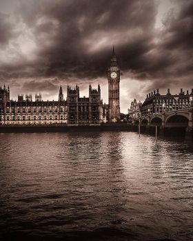 Big Ben in London by MastrD