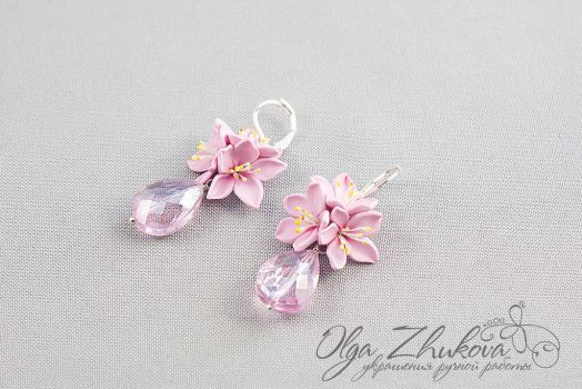 Earrings with crystal lily flowers by polyflowers