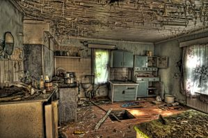 Abandoned House HDR Workshop by DanielleMiner