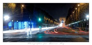 Champs Elysees at night by laurentroy