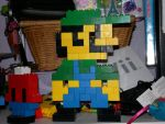 8-bit Luigi in LEGO by FlyingTanuki
