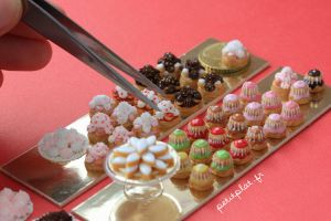 Miniature Food - Pastry, My Hand and a Tweezer... by PetitPlat