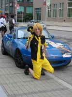len infront of vocaloid car by AnimePlayPro