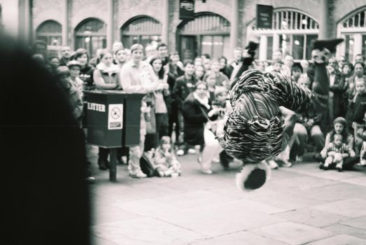 Arab flip at Covent Garden by tonyx