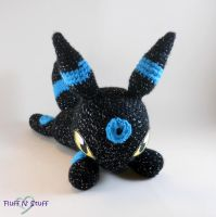 Shiny Umbreon by SailorMiniMuffin