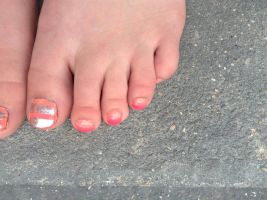 my summer ombre toes by wittlecabbage