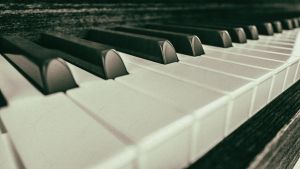 Old Piano Picture by NIKOMEDIA