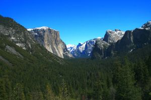 Yosemite Tunnel View by an3xtravalanza