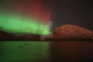 Northern Lights Galore by tyronescotthudson