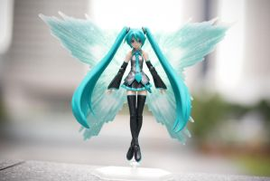 Hatsune Miku: Wings of Light by XkaOnslaught