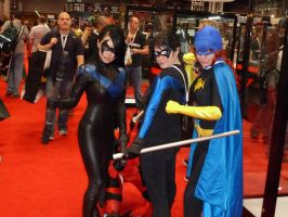 2 Nightwing(s) a Batgirl and a sneaky Deadpool by nx20