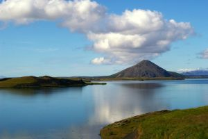 Lake Myvatn by Mittelfranke