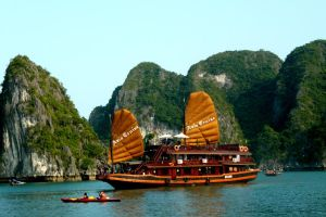 halong bay by altugg