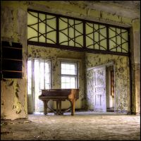 room of the piano (2013) by wandi-Camarell