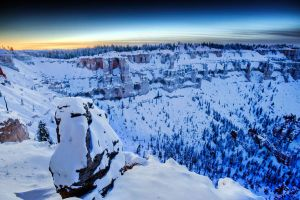 Alone in the Canyon by geolio