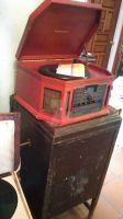 Vintage Record Player ! by littl3miss-n1ghtmare
