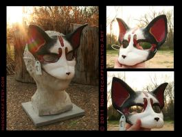 Magenta and Gold Cat Mask by nondecaf