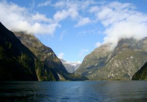 Milford Sound by Applemac12