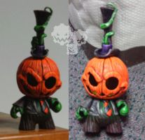 Pumpkin munny by oz-of-the-land