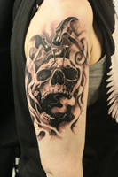 Another skull tattoo... with hammers by tuomaskoivurinne