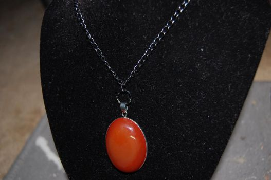 Red Agate pendant by xmemoriesXofXnobodyx