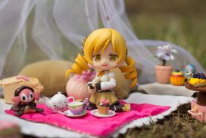 Tea Picnic with Mami Tomoe by kixkillradio